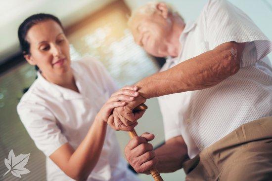 Atención a ancianos y dependientes