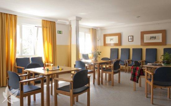 Sanitas Residencial - Residencia Almenara