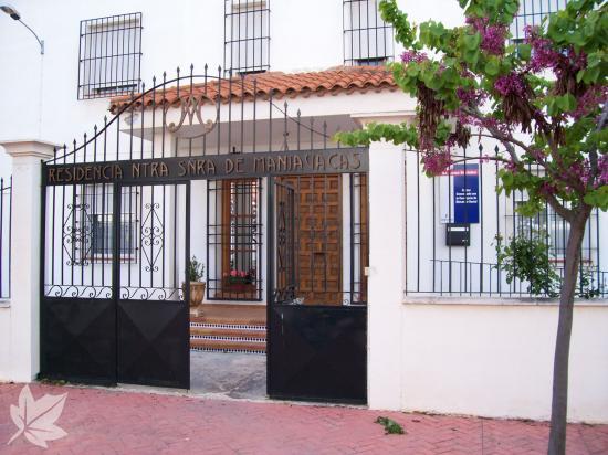 RESIDENCIA DE ANCIANOS NUESTRA SRA. DE MANJAVACAS