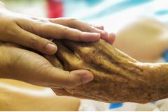 Ayuda a domicilio a personas mayores