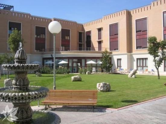 Residencia AMAVIR El Encinar del Rey